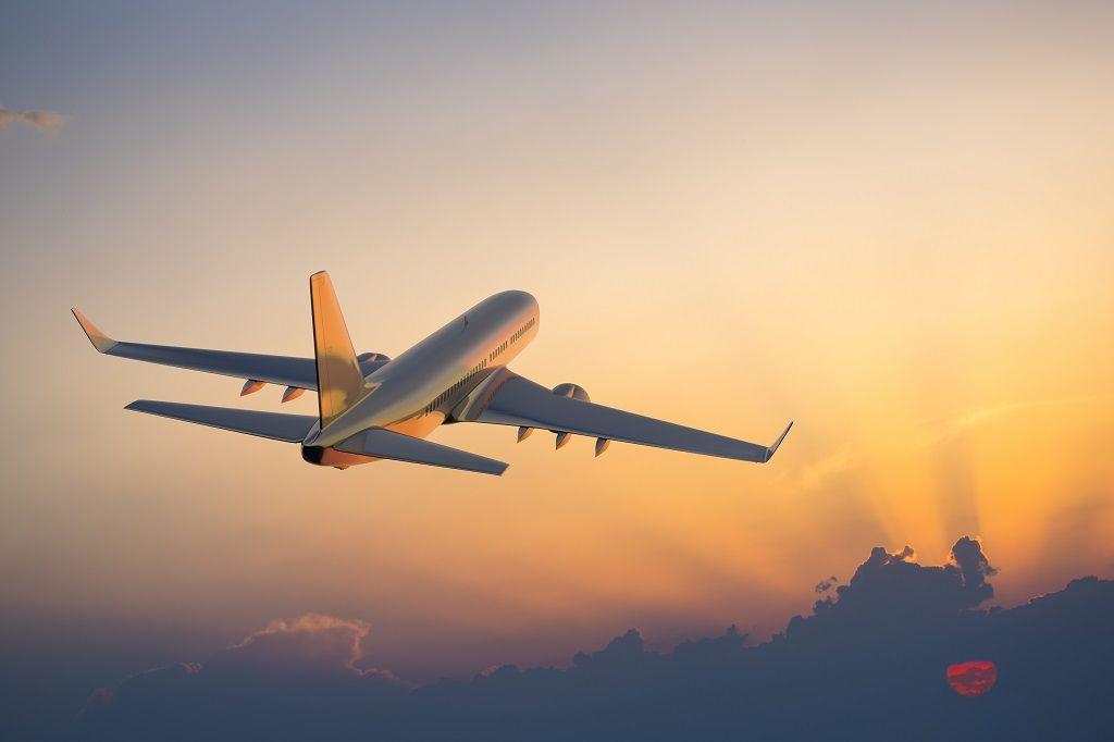 Fly på vingene - illustrasjon - airhelp Passasjerfly på vingene (bildekilde: airhelp.no)