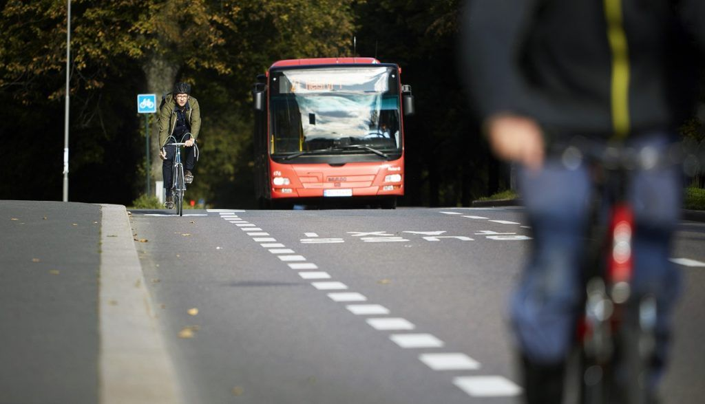 Rutebuss - Kollektivtrafikk - Vei - Trafikk - NAF