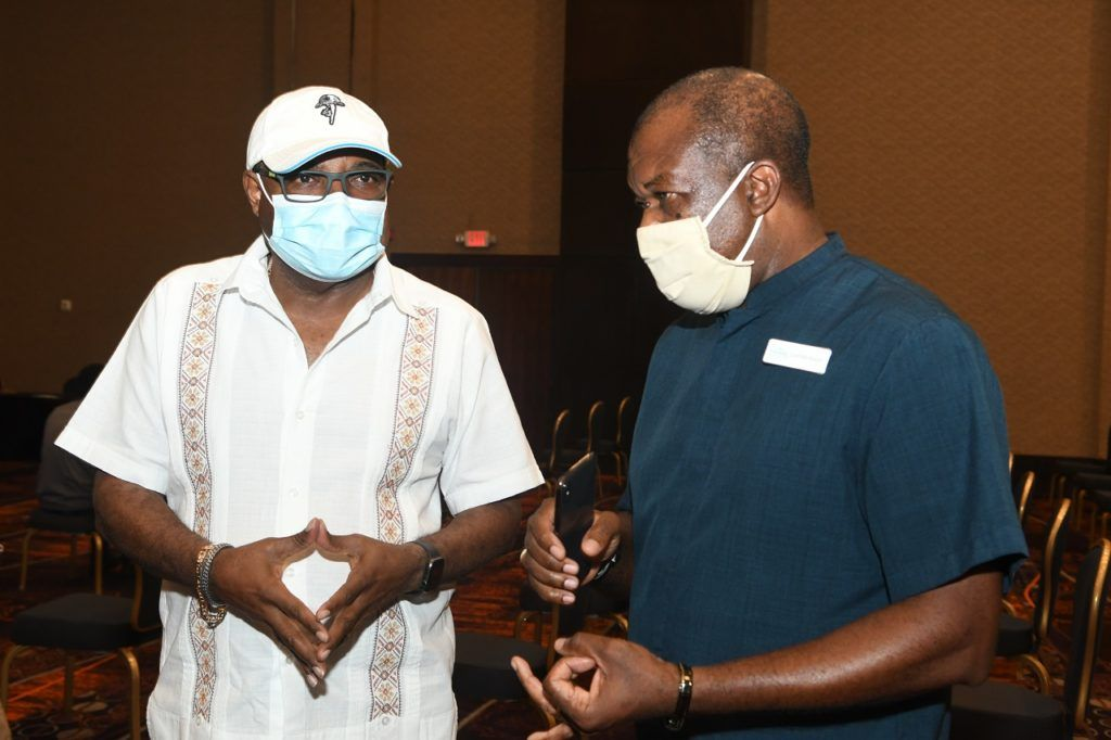 Jamaica Vaccine Drive - Covid-19 - Vaksinering - Reiselivsmedarbeidere