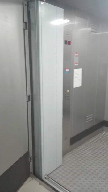 Πόρτα Bus 1550*1600 με καθαρό άνοιγμα 155cm