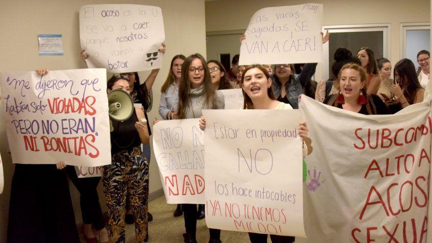 Manifestacion en derecho en mayo Foto Anel Kenjekeeva Sancho para semanario Universidad
