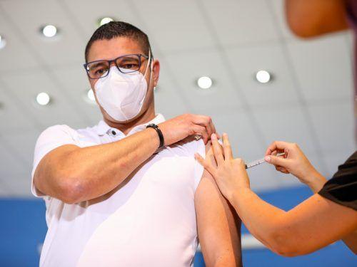 Inicio Vacunacion COVAX AstraZeneca Foto Julieth Mendez 19 4 2021 12