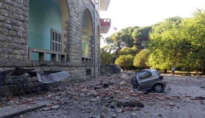 Δεκάδες οι τραυματίες στην Αλβανία από τη διπλή σεισμική δόνηση - Μήνυμα στήριξης από το ελληνικό ΥΠ.ΕΞ.
