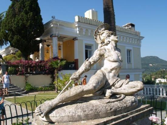 ΣΥΡΙΖΑ Κέρκυρας: Λόγω της καθυστέρησης της ΕΤΑΔ, κινδυνεύει η χρηματοδότηση για το Αχίλλειο