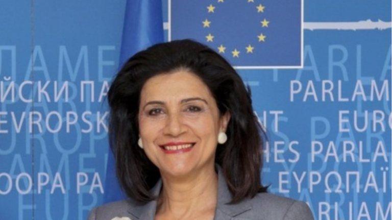 Ρόδη Κράτσα: Παρέμβαση της περιφερειακής αρχής για την ανεξέλεγκτη προσέγγιση σκαφών