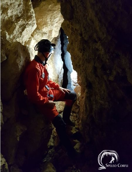 The Dutch speleologist and caver René van Vliet says: ΄Corfu has once again revealed its natural treasures΄ (Photos)