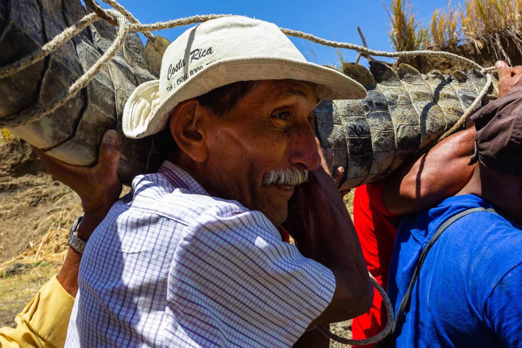 Cocodrilo Sagrado Lagarteada Ortega Santa Cruz - Allan Barboza Leiton